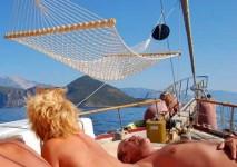 zonnigzeilen naturistencruise naturistische zeilvakantie zeilen naturist turkije griekenland blue cruise (1)