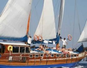 zonnigzeilen blue cruise zeilvakantie gulet zeilen turkije griekenland vloot (10)